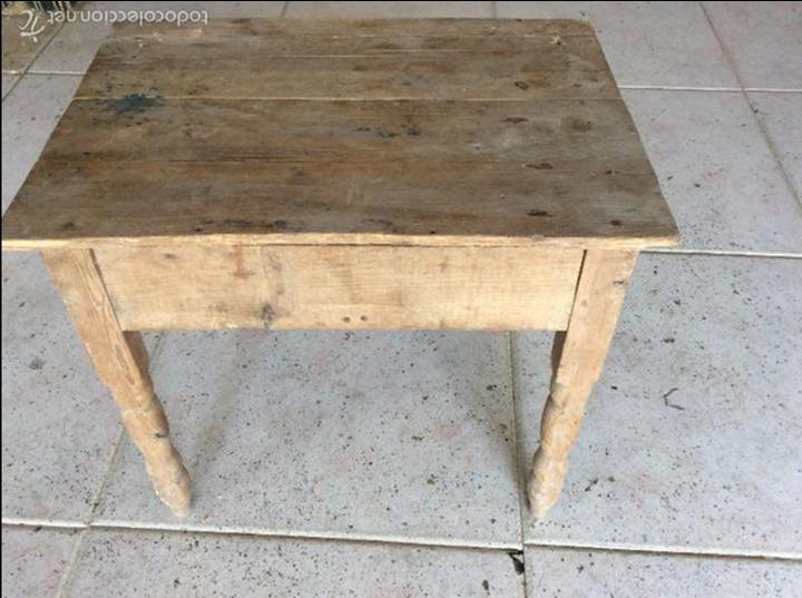 Antigüedades: Pequeña mesa rustica 43 cm de alta y 53x37 de tablero - Foto 4 - 128241675