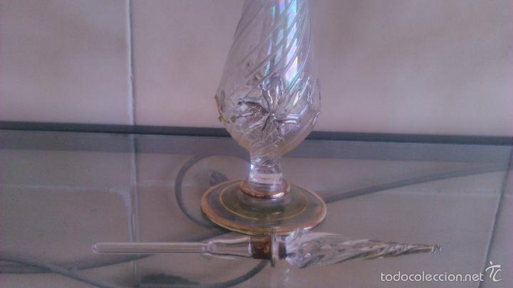 Antigüedades: Exquisito perfumero de cristal baccarat, fino,dibujos en relieve y decorado con metales preciosos. - Foto 5 - 56189977
