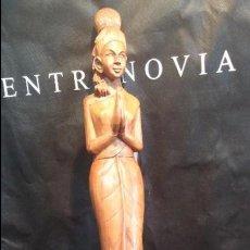 Antigüedades: ANTIGUA FIGURA TALLADA EN MADERA, ESPECIE DE DIOSA, BASTANTE GRANDE. Lote 47871641