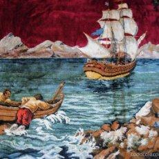 Antigüedades: ANTIGUO TAPIZ ATERCIOPELADO. GRANDE 1,93X1,21CM CON ESCENA BARCO, BARCA, FARO.. Lote 56231874
