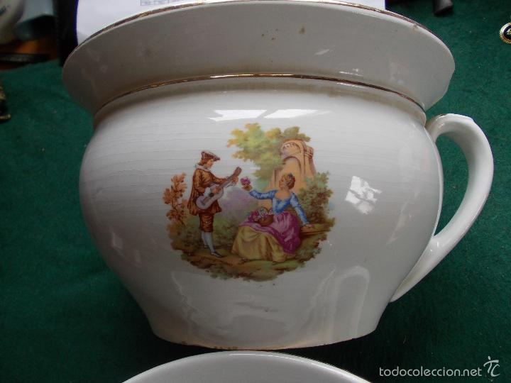 ORINAL O ESCUPIDERA (Antigüedades - Porcelanas y Cerámicas - La Cartuja Pickman)