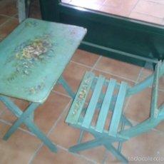 Antigüedades: MESA Y SILLA DE NIÑO POLICROMADA S XIX. Lote 56239607