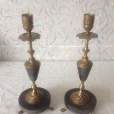 Antigüedades: PAREJA CANDELABROS MARMOL NEGRO Y BRONCE. Lote 56240540