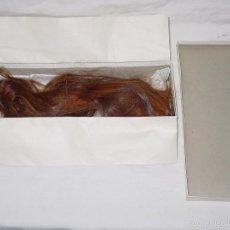Antigüedades: PELO DE LUCY SUELTO PARA MUJER O MUÑECA-PELIRROJO NATURAL-SERIE 877 BABY-CAJA ORIGINAL-CIRCA 1950-60. Lote 56276227