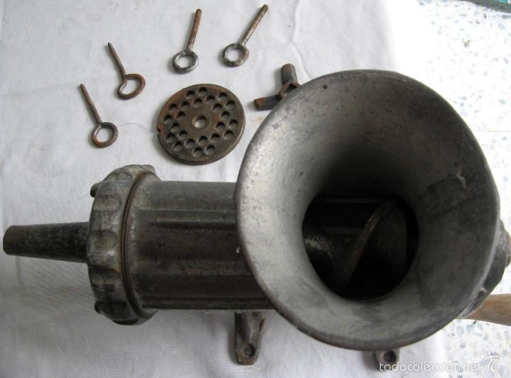Antigüedades: Máquina de picar carne y hacer chorizos y morcilla - Foto 2 - 56283199
