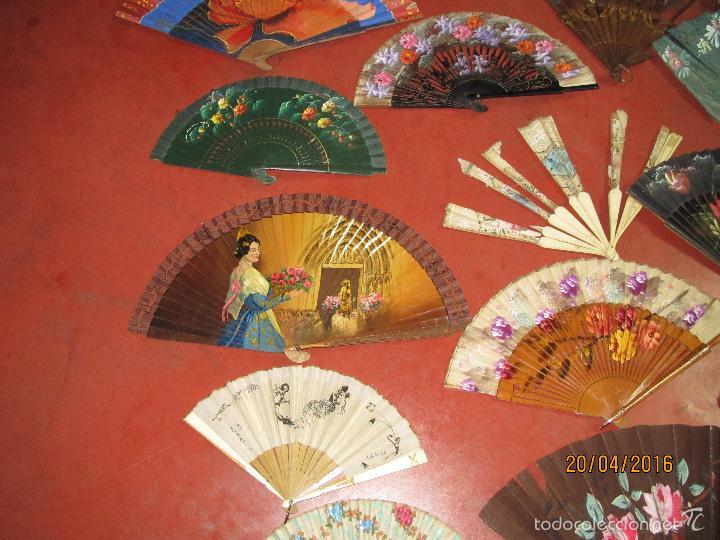 Antigüedades: Antiguo Lote de 36 Abanicos en Materiales Nobles Pintados a Mano - Foto 7 - 56285634