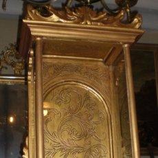 Antigüedades: ANTIGUA CAPILLA VITRINA PARA IMAGEN RELIGIOSA. S.XIX. MADERA. RESTAURADA.. Lote 56292097