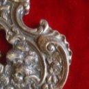 Antigüedades: PILITA DE AGUA BENDITA DE ORFEBRERIA CON BAÑO PLATA DE NTRA. SRA. DEL ROCIO. Lote 56295277