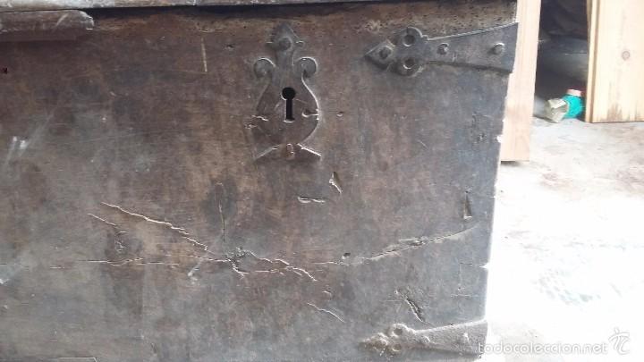 Antigüedades: Arca de nogal del S XVI - Foto 3 - 56302394
