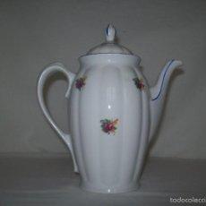 Antigüedades: CAFETERA PORCELANA SANTA CLARA. Lote 56332311