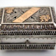 Antigüedades: ESTUCHE PARA ANILLO EN FILIGRANA DE PLATA Y ORO - AÑO 1887 - S. XIX. Lote 56377833