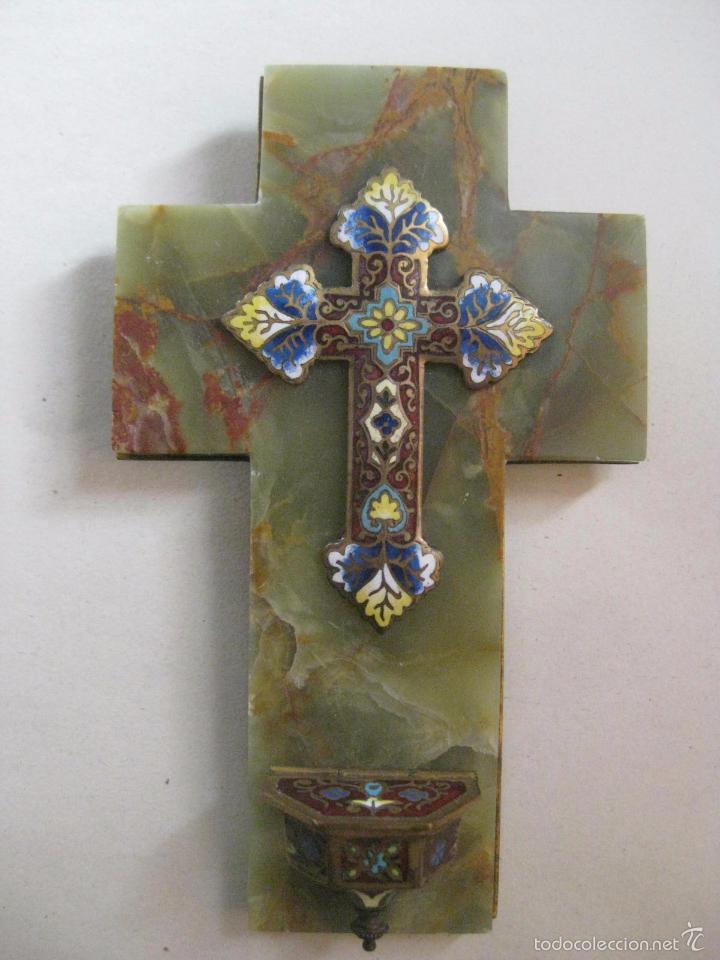 CRUZ PILA BENDITERA ESMALTE SOBRE FONDO DE MARMOL VERDE VETEADO - PRECIOSA-LIQUIDACION COLECCION (Antigüedades - Religiosas - Benditeras)
