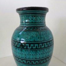 Antigüedades: BONITO JARRÓN - FIRMADO SAFI EN LA BASE - 31´5 CM . Lote 56455918