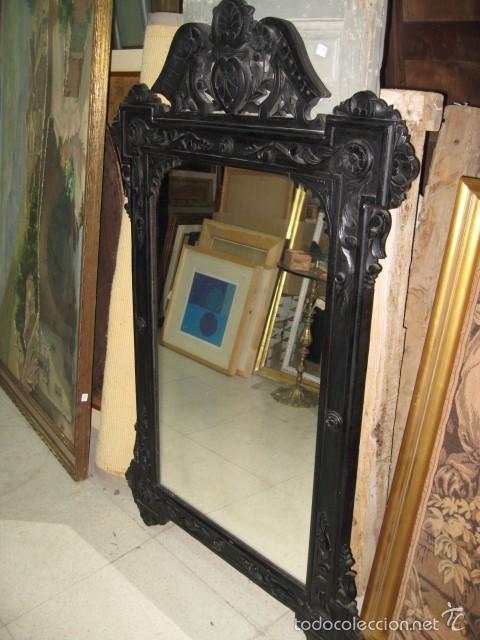 Antiguo espejo grande de madera pintado negro a comprar - Espejos antiguos de pared ...