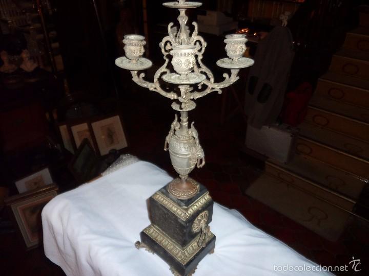 ANTIGUO CANDELABRO CON BASE DE MARMOL. (Antigüedades - Iluminación - Candelabros Antiguos)