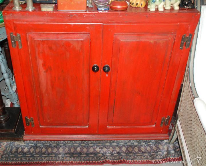precioso mueble antiguo pintado de rojo - Comprar Aparadores ...