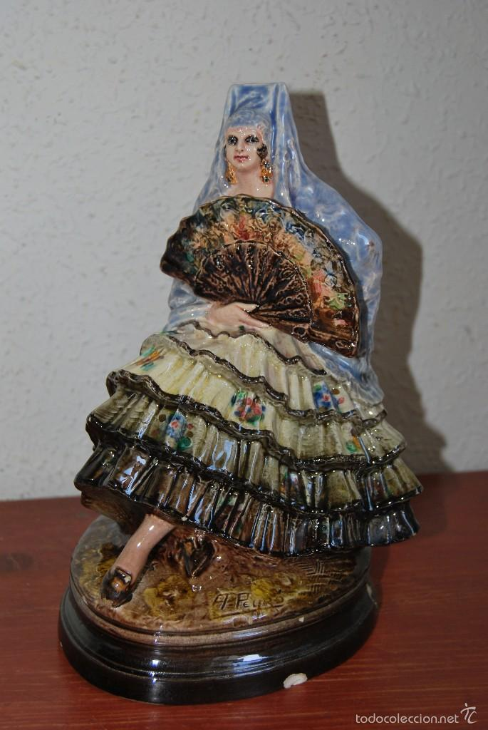 Antigüedades: FIGURA DE CERÁMICA DE VALENCIA DE ANTONIO PEYRÓ - GITANA FLAMENCA - VALENCIANA CON PERICÓN - AÑOS 20 - Foto 2 - 56488071