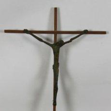 Antigüedades: CRUCIFIJO. CRISTO EN HIERRO. ESTILO EXPRESIONISTA. AÑOS 50 / 60. . Lote 56497350