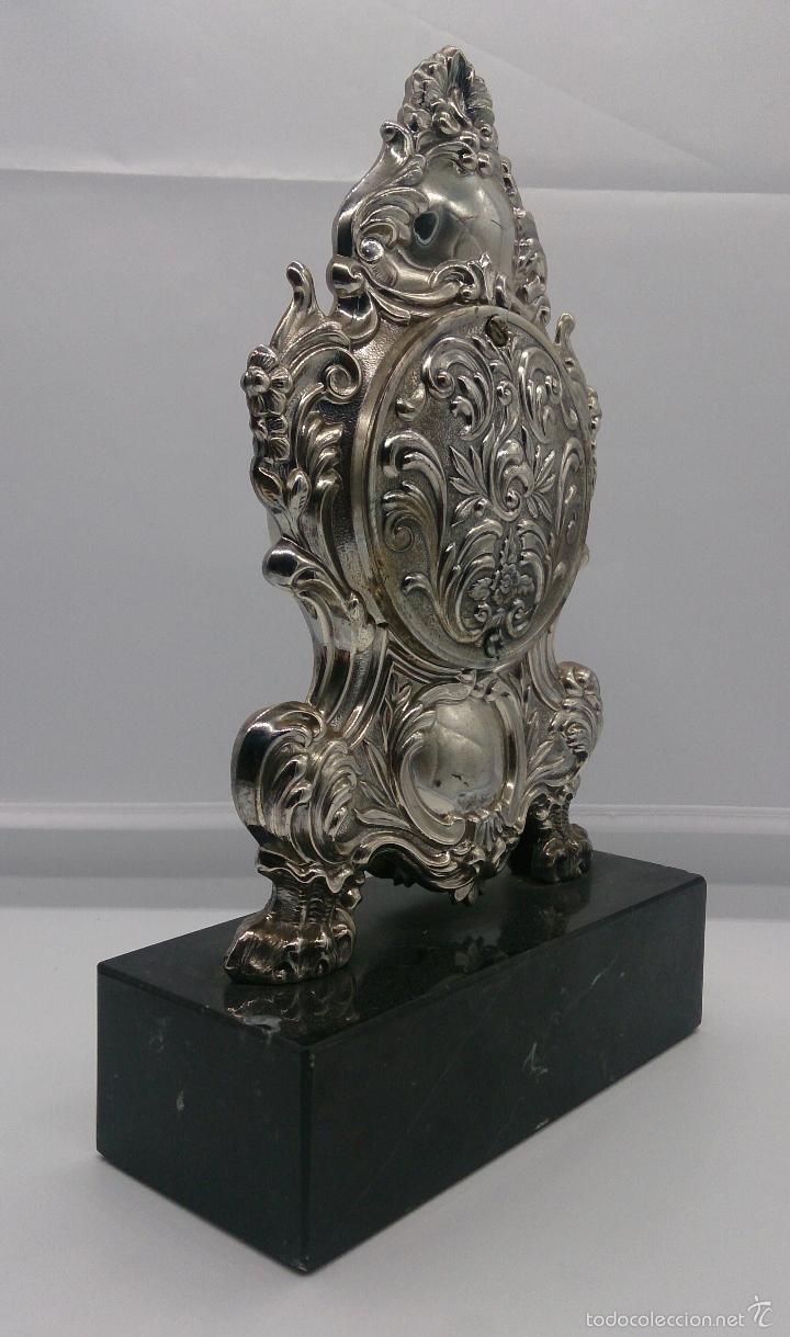 Antigüedades: Reloj antiguo en plata de ley repujada y marmol negro marquina, firmada por el joyero Pedro Durán . - Foto 3 - 56522490