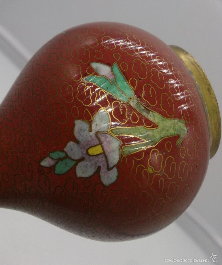 Antigüedades: Jarrón antiguo Chino en cloisonné con motivos de flor de cerezo y peana en madera lacada, años 40/50 - Foto 6 - 56522596