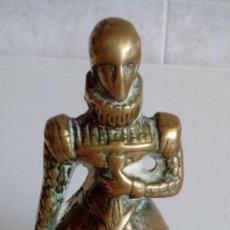 Antigüedades: MUY ANTIGUA S.XIX CAMPANILLA CAMPANA DE MANO EN BRONCE MACIZO FIGURA DE UNA MUJER DE EPOCA. Lote 56527873