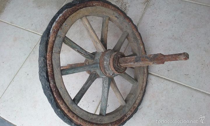 Antigüedades: antigua rueda de carro de tracción humana madera y metal - 53 centímetros de diámetro - - Foto 2 - 56532415