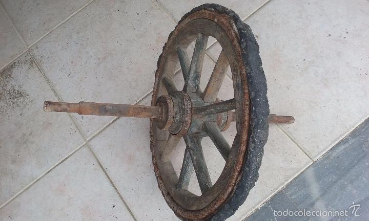 Antigüedades: antigua rueda de carro de tracción humana madera y metal - 53 centímetros de diámetro - - Foto 3 - 56532415