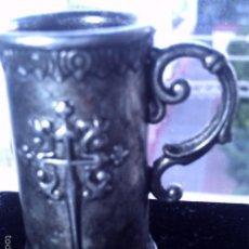 Antigüedades: PEQUEÑA JARRA PLATEADA DEL CAMINO DE SANTIAGO.. Lote 56542549