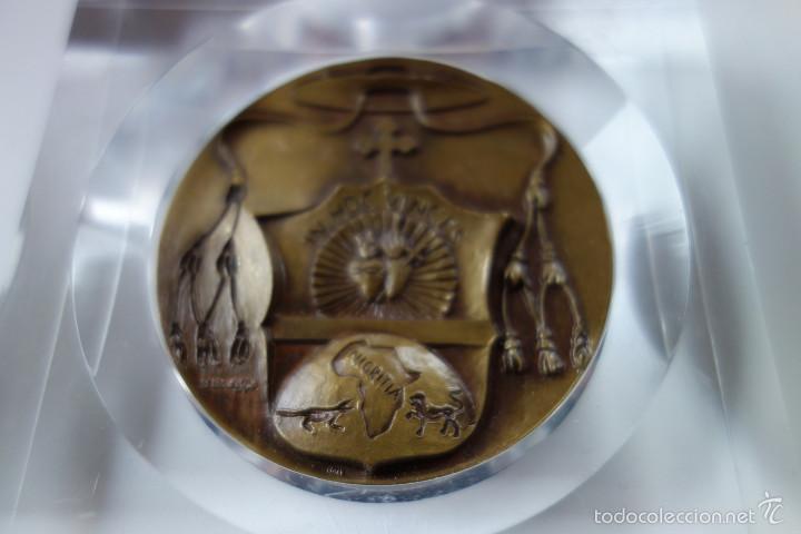 Antigüedades: MEDALLA CONMEMORATIVA SAN DANIEL COMBONI 1831-1881 - BRONCE MONTADO EN METACRILATO - Foto 6 - 56554000