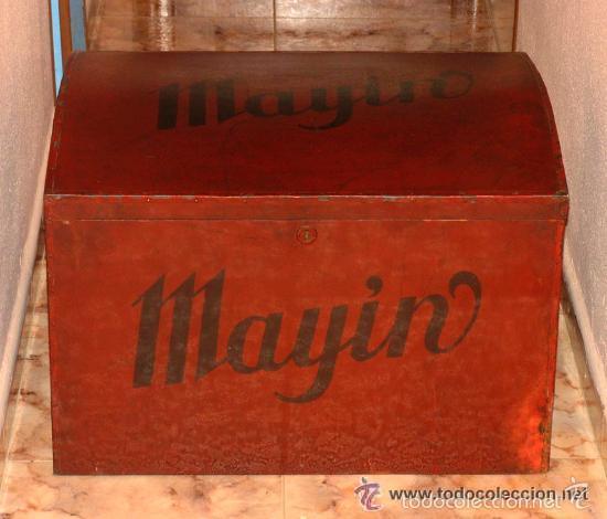 ANTIGUO GRAN BAUL CON PUBLICIDAD DE CHOCOLATE MAYIN. LAVIANA. ASTURIAS (Antigüedades - Muebles Antiguos - Baúles Antiguos)