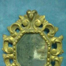 Antigüedades: PEQUEÑO ESPEJO PAN DE ORO. Lote 56593145