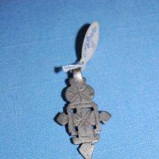 Antigüedades: CRUZ COLGANTE ETÍOPE EN METAL. Lote 56616563