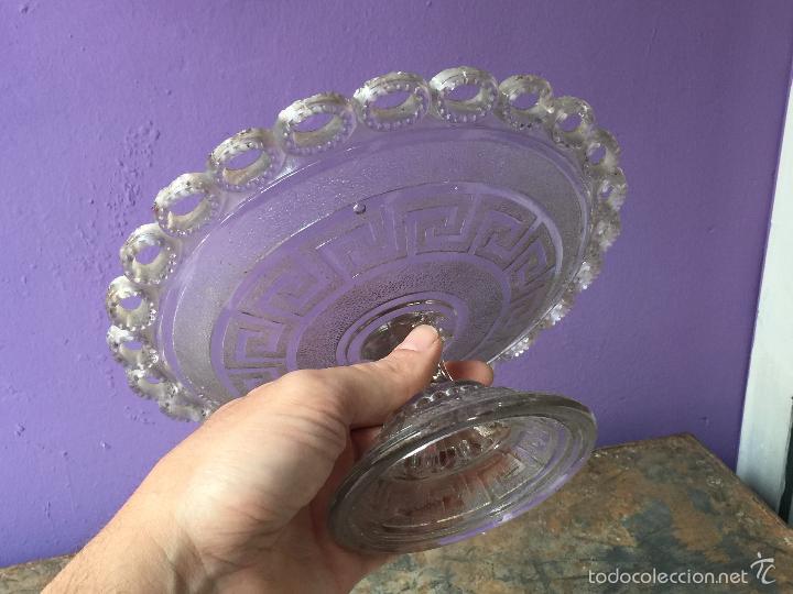 Antigüedades: Antiguo frutero de cristal prensado - Foto 4 - 56621714