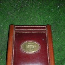 Antigüedades: CAJA DE MADERA Y CUERO PARA JUEGO DE CARTAS. Lote 56628718