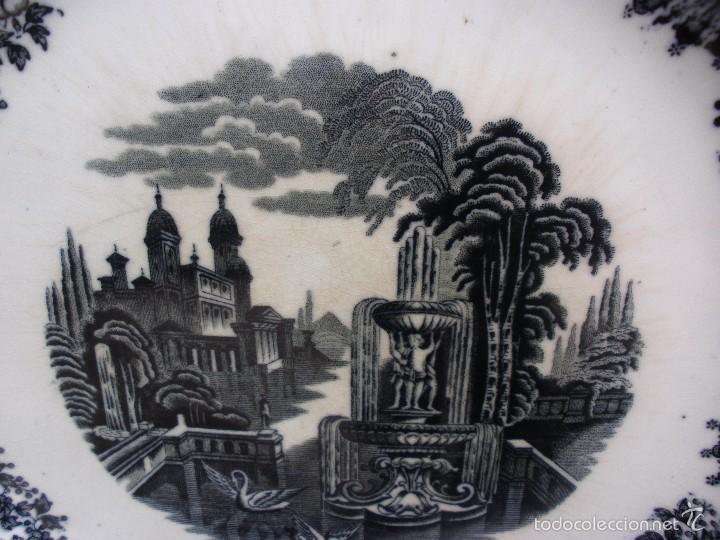 Antigüedades: ANTIGUA FUENTE DE LOZA GRAN PLATO PORCELANA LA CARTUJA SEVILLA PICKMAN 31,5 CM SELLO INCISO - Foto 5 - 56669701