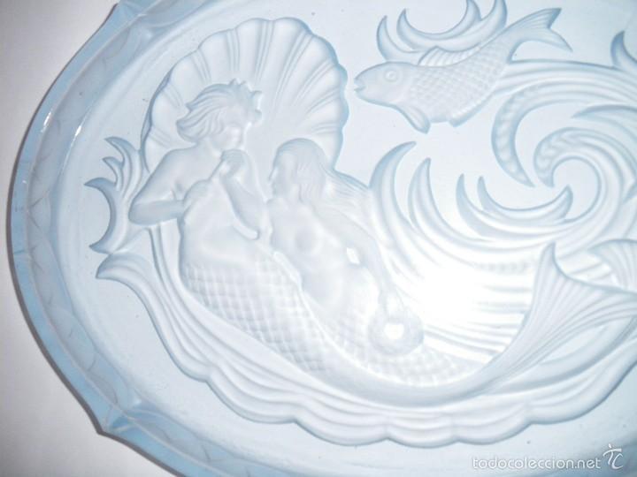 Antigüedades: Bandeja en cristal prensado azul estilo art deco (principios siglo XX) - Foto 5 - 56672158