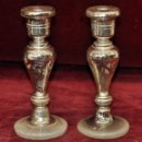 Antigüedades: INTERESANTE PAREJA CANDELEROS DE CRISTAL SOPLADO Y BAÑADO AL MERCURIO DE LA GRANJA. Lote 56733912