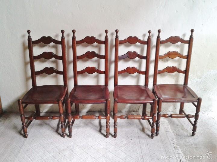 4 cuatro sillas antiguas de cuero estilo rústico provenzal. Sillería  antigua de cocina salón comedor
