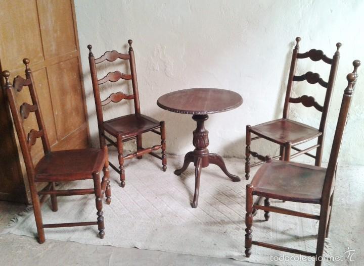 Cuatro sillas antiguas de cuero estilo r stico comprar for Estilo rustico provenzal