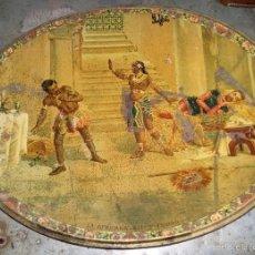 Antigüedades: BANDEJA DE LATA LITOGRAFIADA 40 X 31,5 CM CON ESCENA LA AFRICANA, ACTO 2º ESCENA II. Lote 56745243