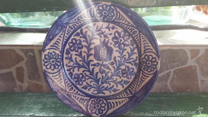 ANTIGUO PLATO DE FAJALAUZA PINTADO A MANO. (Antigüedades - Porcelanas y Cerámicas - Fajalauza)