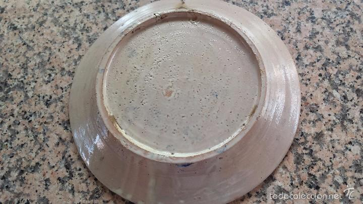 Antigüedades: antiguo plato de fajalauza pintado a mano. - Foto 4 - 56745542