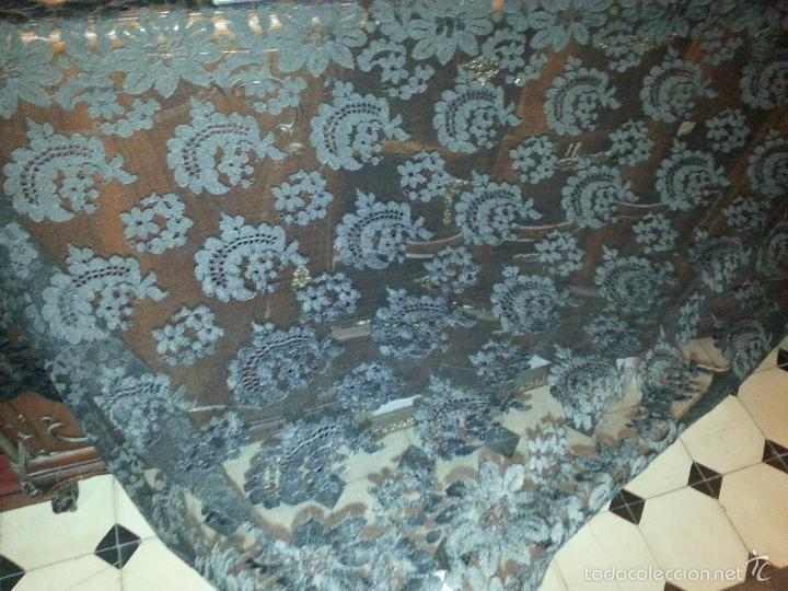 Antigüedades: gran mantilla tul bordado española de blondes rectangular mas de 2 metros x 70 aproximadamente - Foto 10 - 56777460