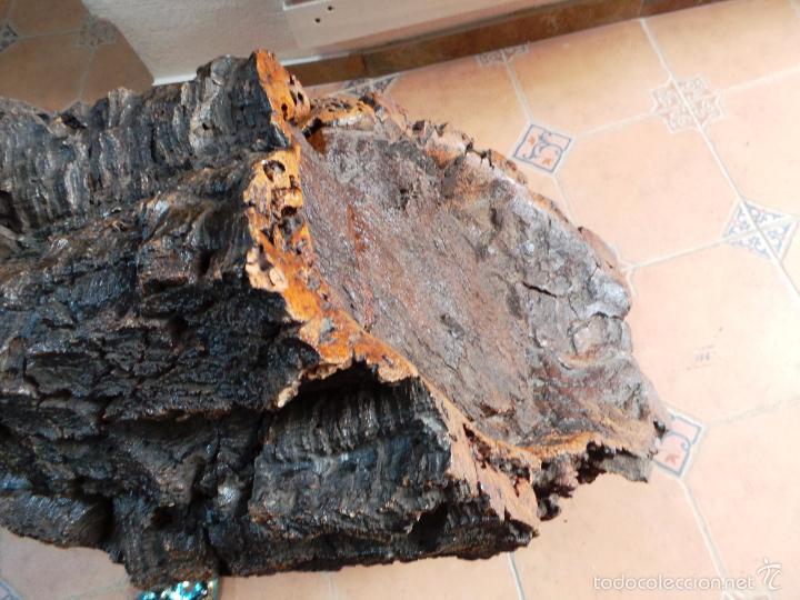 Antigüedades: ARTESANAL BAÚL DE CORCHO CON FORMA DE TRONCO - Foto 3 - 56799297