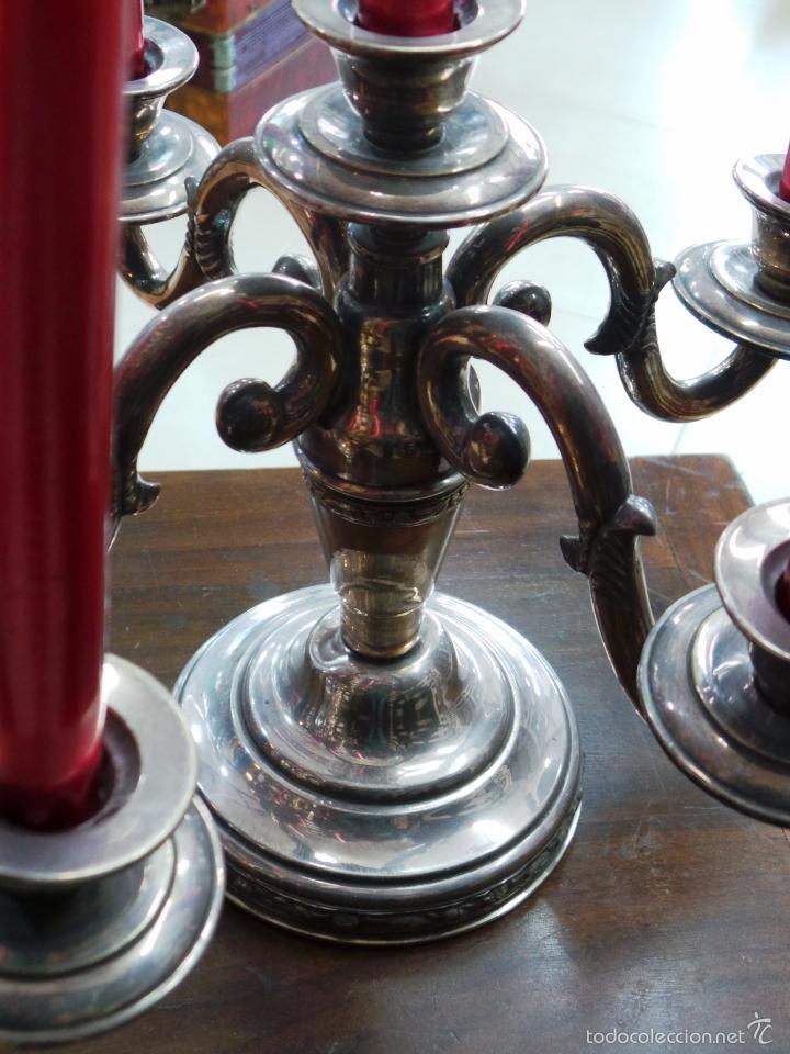 Antigüedades: PAREJA DE CANDELABROS DE CINCO VELAS CON BAÑO DE PLATA - Foto 9 - 56811081