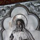 Antigüedades: MUY ANTIGUO RELIEVE DEL SAGRADO CORAZON EN COBRE REPUJADO Y PLATEADO. Lote 56824756