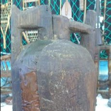 Antigüedades: RECIPIENTE HECHO A MANO PARA ACEITE. Lote 56519329