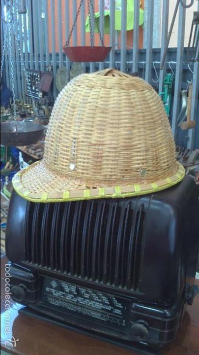 SALACO , GORRO , CASCO (Antigüedades - Moda - Sombreros Antiguos)