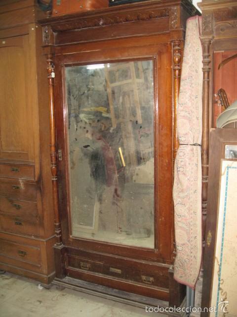 Antiguo armario madera para restaurar puerta ce comprar for Restaurar muebles de madera viejos