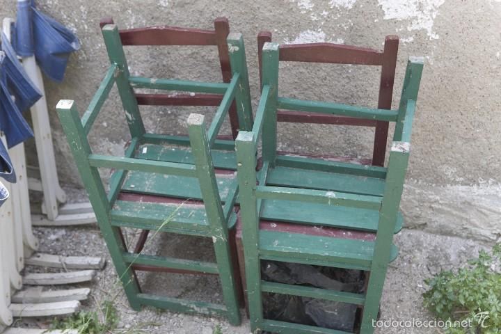 Antigüedades: LOTE 4 SILLAS DE MADERA ANTIGUAS - Foto 3 - 56837127